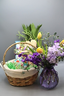 Fun Easter Basket Combo 8\'\' + Flowers